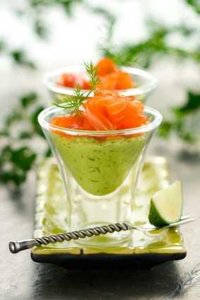 Avocadocreme mit Lachs